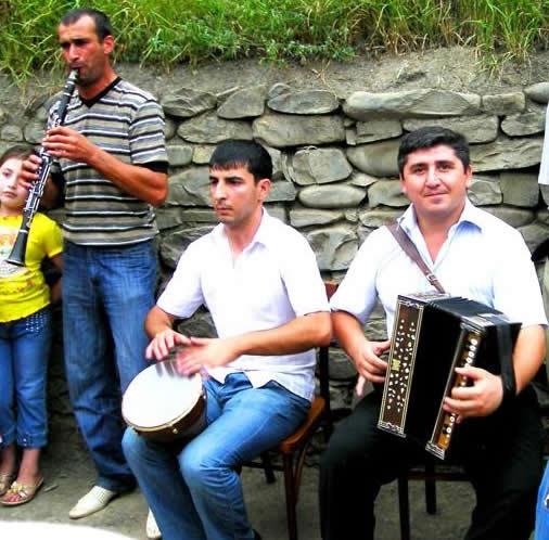 Музыканты на кавказское мероприятие